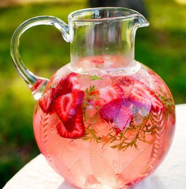 Irresistible Strawberry Lemonade Recipe